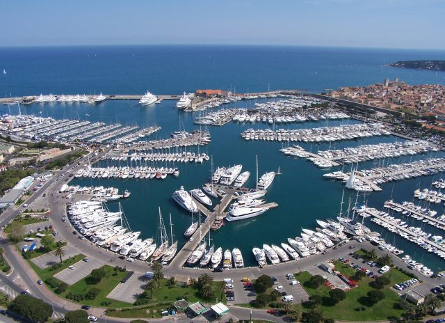 PLACE-DE-PORT-VAUBAN-ANTIBES-BERTH