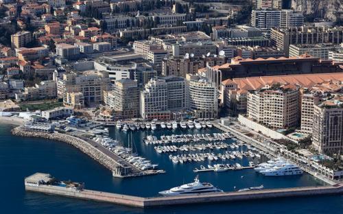 Place port Cap d'ail 12m